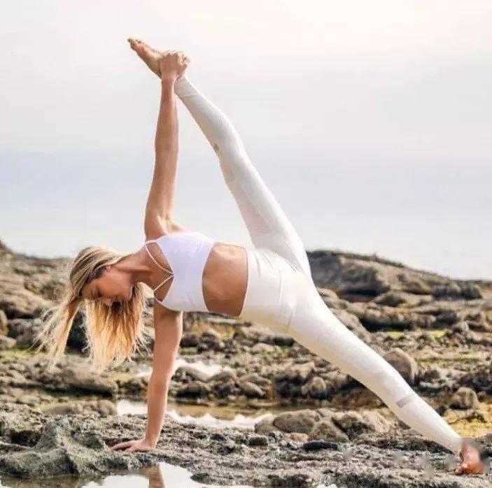 一练瑜伽手脚就发麻,还能继续练吗?