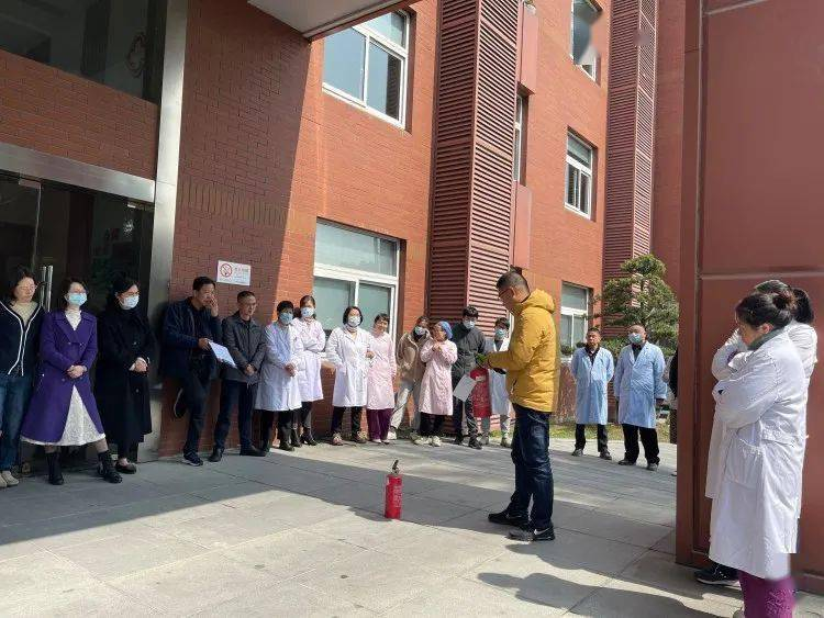 区妇幼保健院对全院员工进行消防安全知识培训