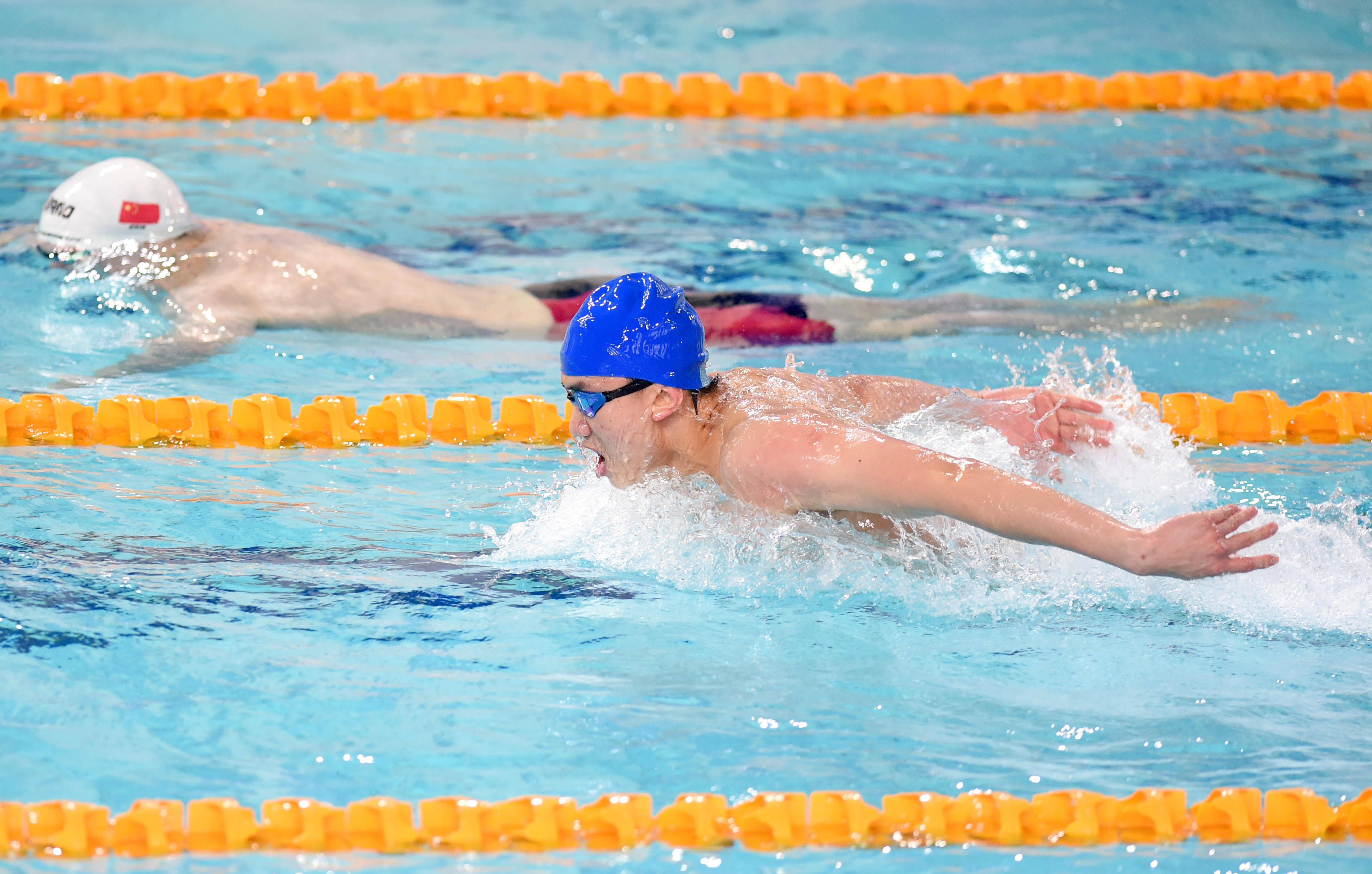 游泳——全国游泳争霸赛:陈俊儿获得男子200米蝶泳冠军