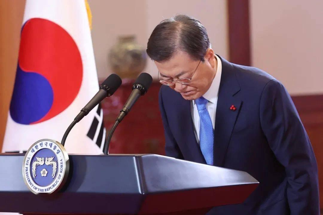 文在寅:韩国女性平等的情况,令人羞愧