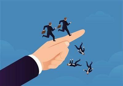 抱团基金遇险:、刘、、王遭遇最大回撤。新任基金经理在10天内损失了20%