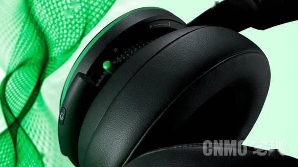 微软Xbox无线耳机4月6日开售 采用轻量化设计售799元