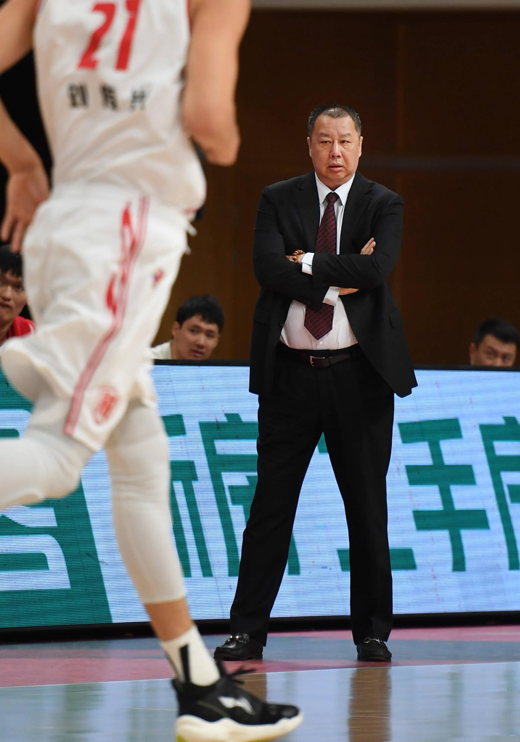 篮球——CBA第四阶段:青岛每日优鲜对阵天津先行者