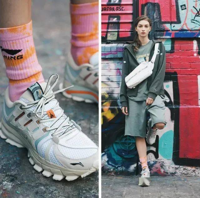 腿控福利!最近小姐姐们都在抢这双鞋!简直是长腿制造机!