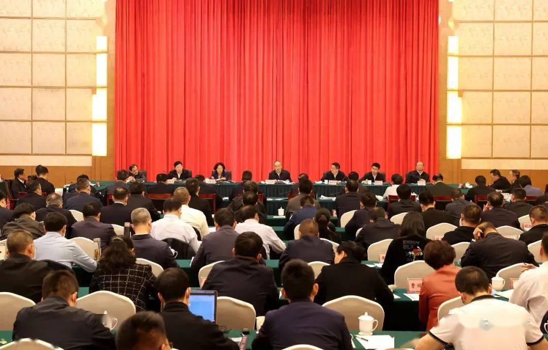 省委省政府召开曲靖现场办公会强调:曲靖要建设成为名副其实的云南副中心城市