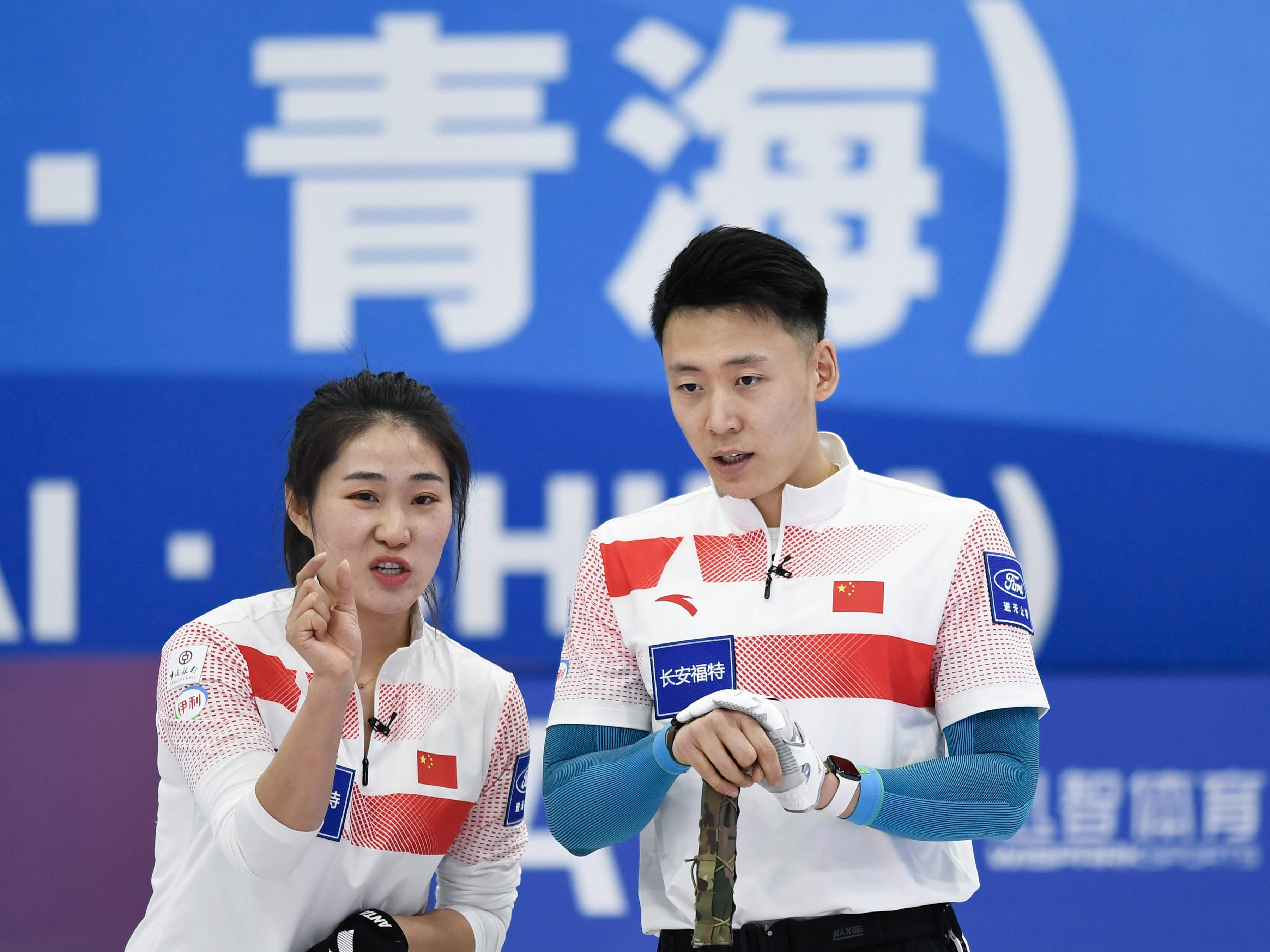 冰壶——中国公开赛:中国一队战胜青海队