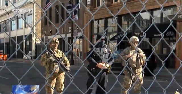 在美国和3000多名荷枪实弹的士兵生活是什么体验?