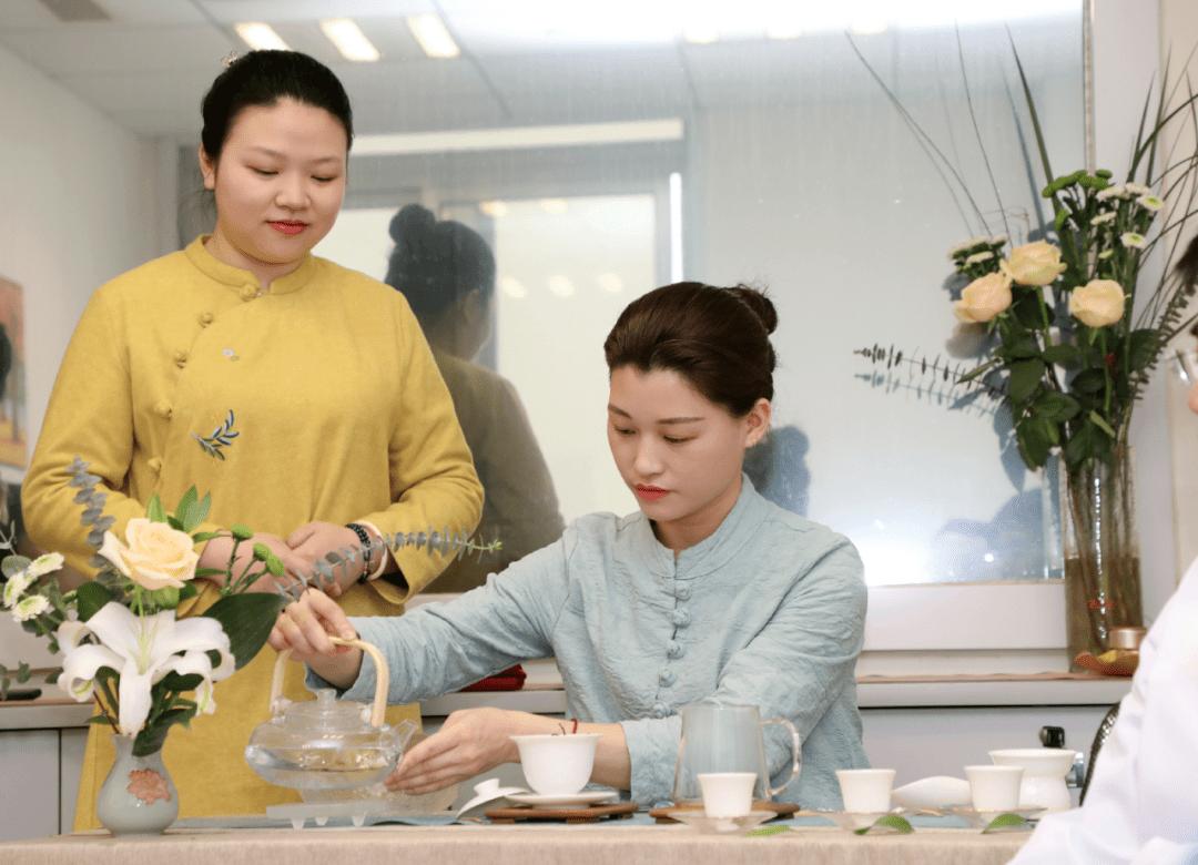 在患者心上撑起一把伞,湖南省肿瘤医院举办心灵茶艺活动
