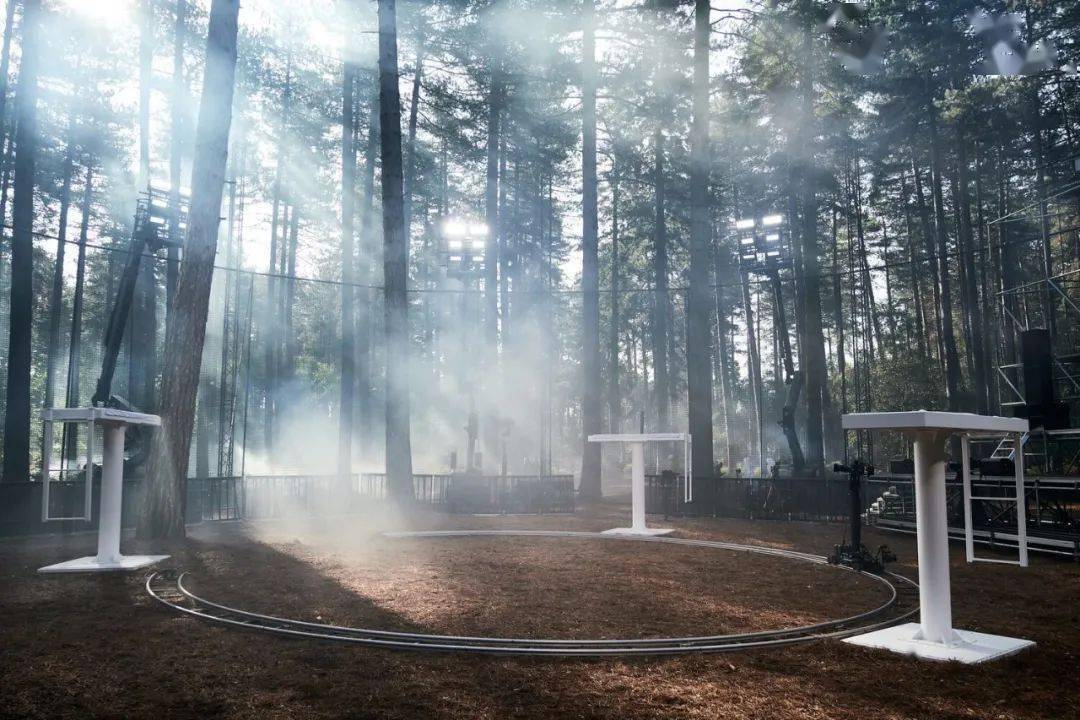 YEEZY、李宁都在追捧的制作公司,Villa Eugénie 打造了多少高光秀场?