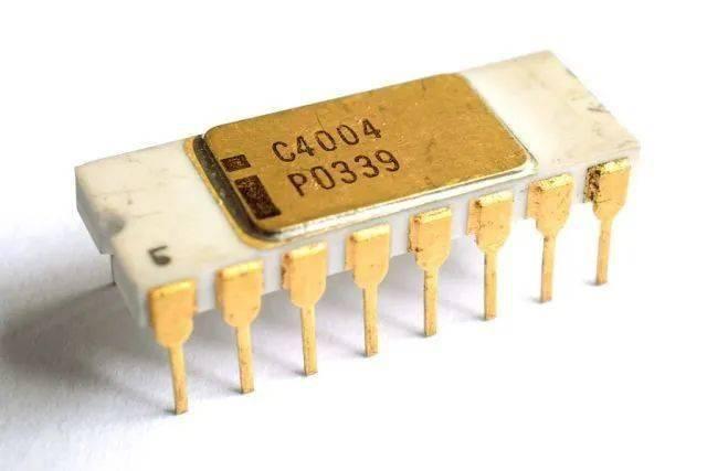 IBM搞出了2nm的芯片,一片指甲盖大小就能塞500亿个晶体管。