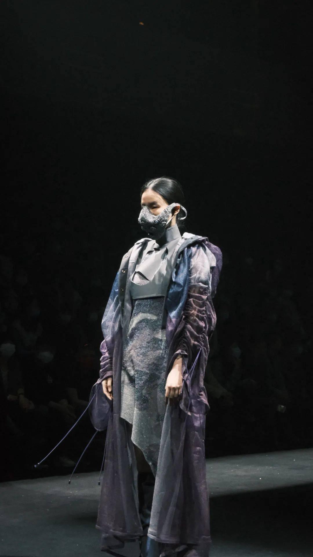 北京妆扮学院2021(针天盛娱乐注册织/流动/戏剧)专业毕业设