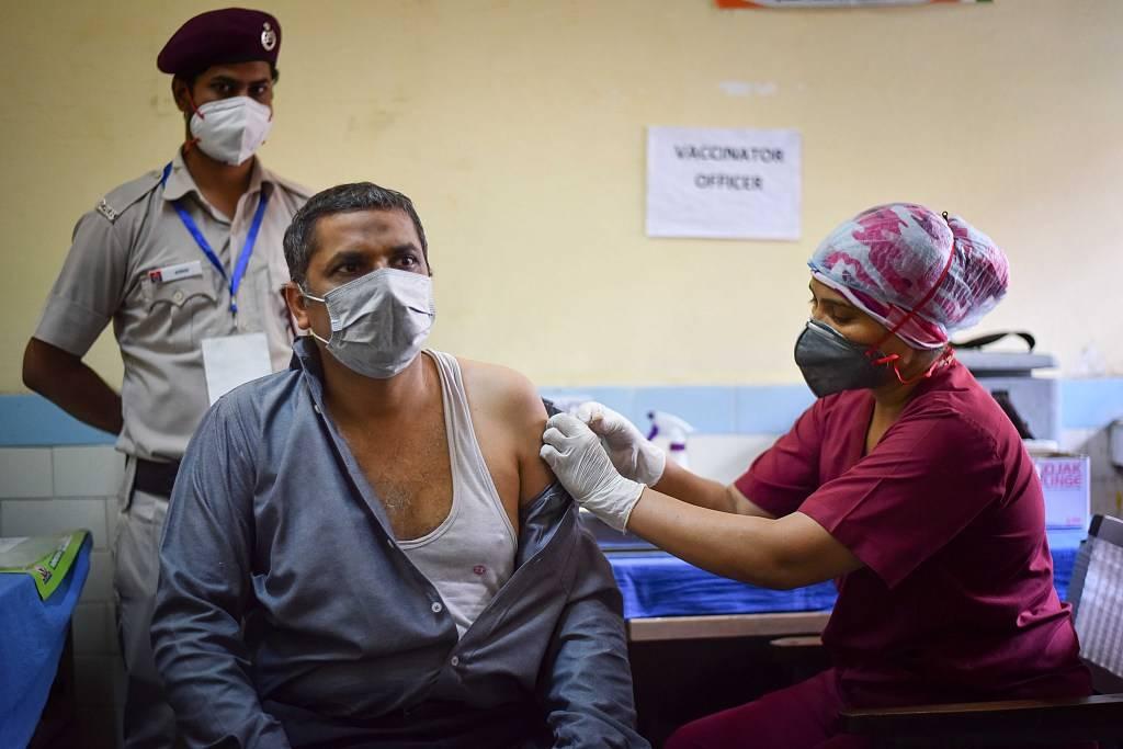 印度开始大规模解封,专家警告:或有第三波疫