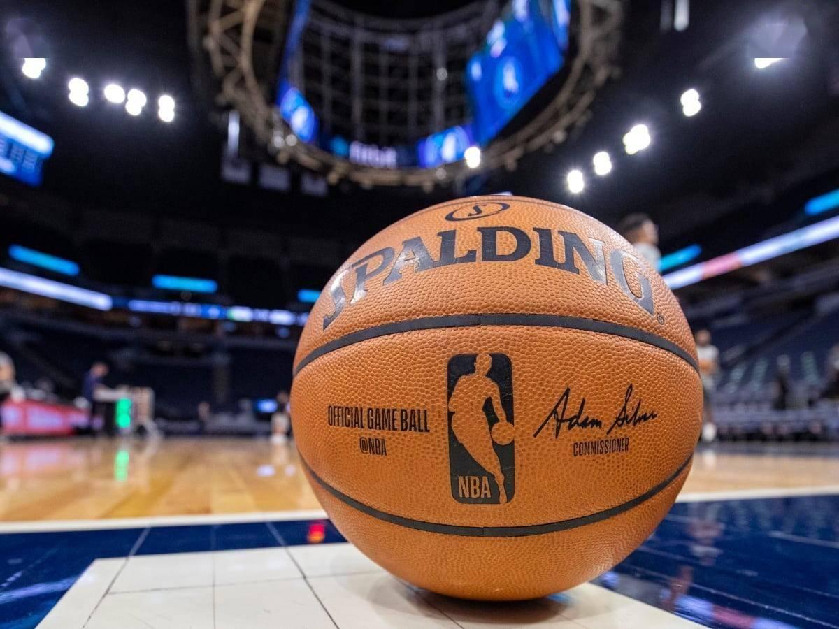 9月14日消息,据NBA名记查拉尼亚报道,NBA联盟正在讨论