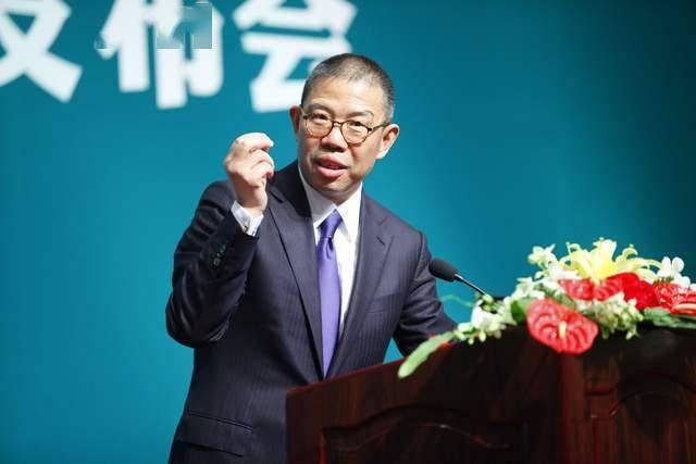 卖水卖药后,67岁中国首富钟睒睒进军私募,仅半月