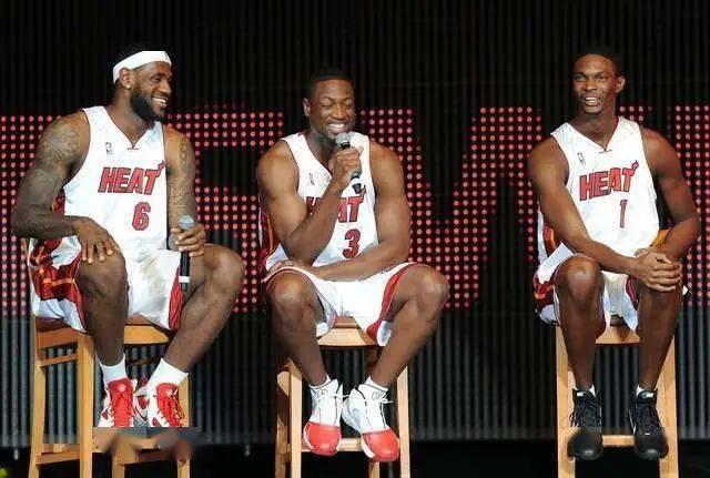 近日,NBA官方选出能定义各个10年的经典时刻。我们先看20