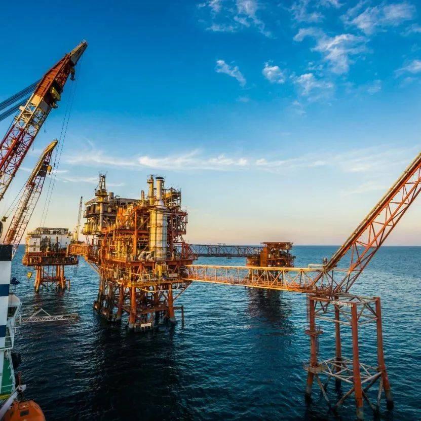 """告别""""宽松周期""""?油价冲击三年高点,全球央行加快脚步"""