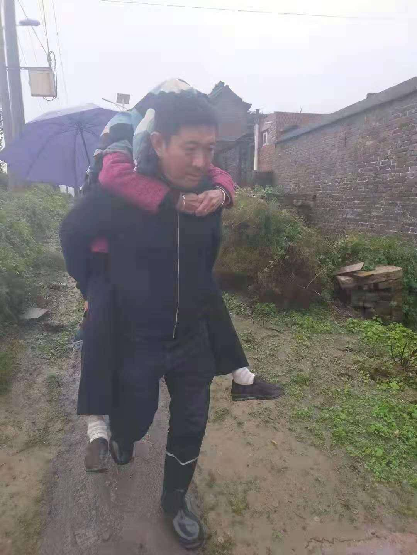 山西坛镇乡900多座窑洞倒塌:94岁老人刚被背出,窑洞就塌了