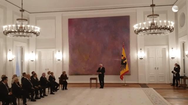 """默克尔正式卸任德国总理!俄媒发现""""小插曲"""":仪式上默克尔忘记合影"""